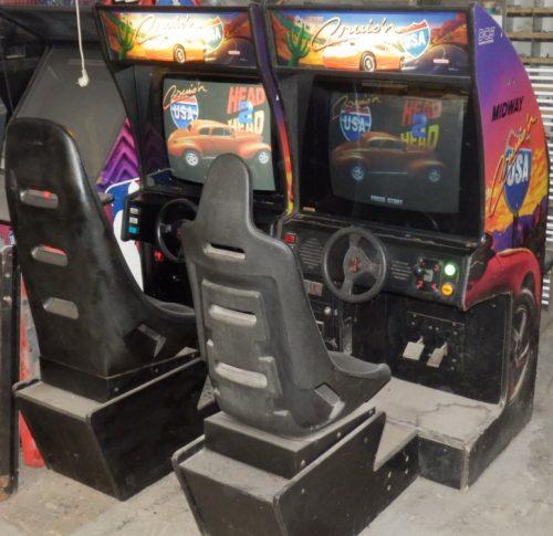 Cruisn_USA_Twin_arcade_game